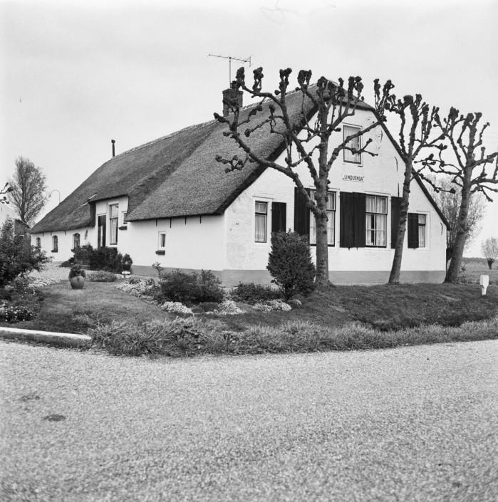 A&R10 | Architectuur & Restauratie | Zeist, Maarn, Utrechtse Heuvelrug | exterieur van een boerderij waarvoor A&R10 een interieurontwerp maakte