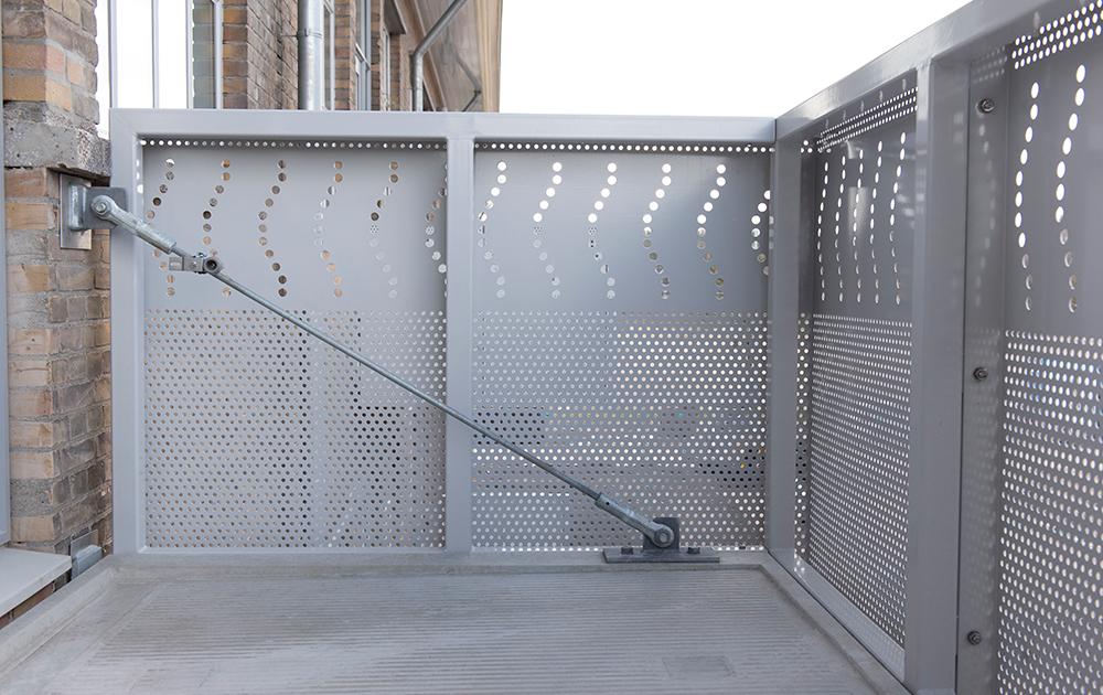 Detailfoto van tot appartementen herbestemde Simon Stevin Kazerne in Ede - ontwerp A&R10