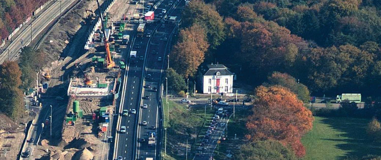 Het monumentale Meubin-pand ligt direct aan de afrit van snelweg A12