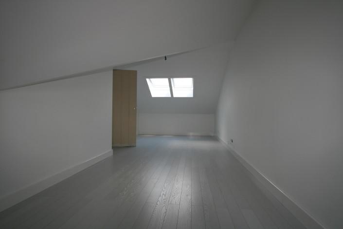 U ziet de gerealiseerde zolder van een dubbele woning in Kamerik, naar ontwerp van architectenbureau A&R10