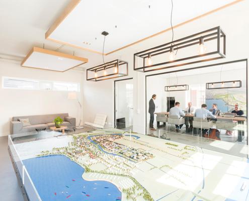 Maquette in het informatiecentrum over nieuwbouwwijk Hoef en Haag, ontwerp van architectenbureau A&R10