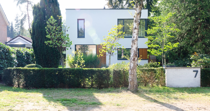 Resultaat verbouwing bungalow tot villa - zicht op voorkant