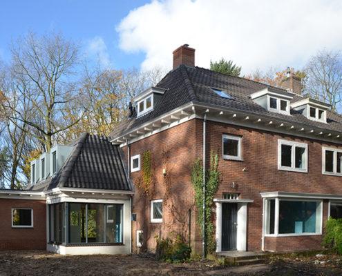 Renovatie en uitbreidings ontwerp architect A&R10 twee-onder-een kap jaren '30-woning in Zeist